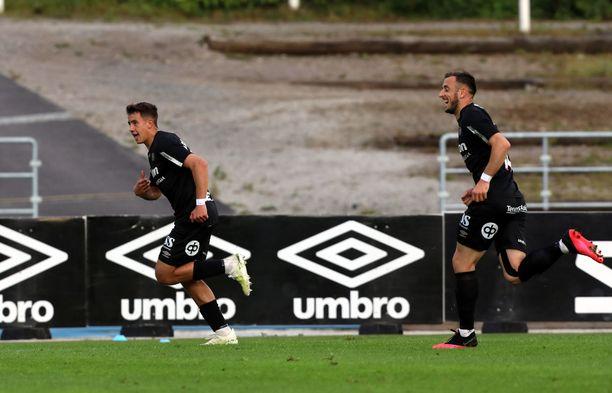FC Lahden Jasin Assehnoun (vas.) oli tällä kaudella joukkueensa paras maalintekijä.