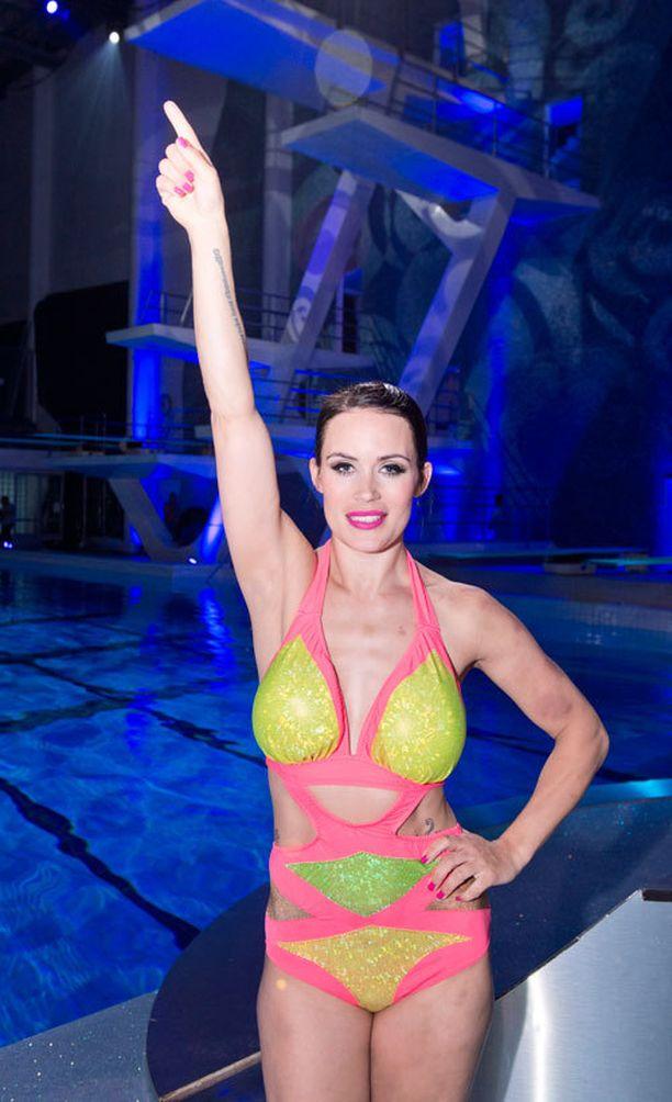 Martina Aitolehti näytti hurjan luontonsa viime vuonna, kun voitti Nelosen Splash-uimahyppyshow'n.