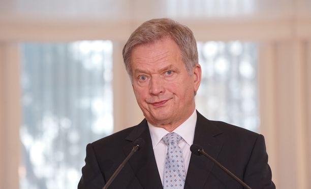 Niinistö järjestää tänään tiedotustilaisuuden Naton pääsihteeri Jens Stoltenbergin kanssa.
