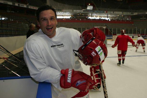 Valeri Krykov pelasi pitkän uransa viimeiset vuodet 2002-06 Elitserienin Timråssa, jossa hän viihtyi ja onnistui erinomaisesti.
