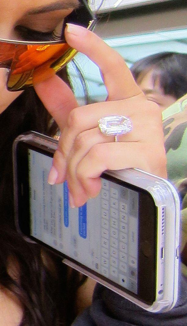 Varkaat tiesivät mitä halusivat, he halusivat tämän sormuksen.