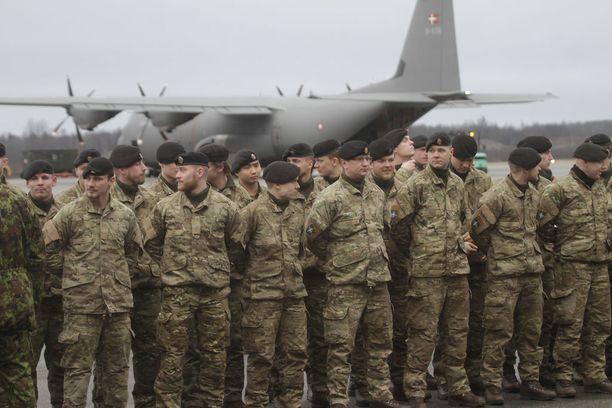 Virossa ja myös muualla Baltiassa on Naton joukkoja pitämässä yllä pelotetta Venäjää vastaan. Kuvassa tanskalaissotilaita, jotka saapuivat Viroon kuluvan vuoden alussa.