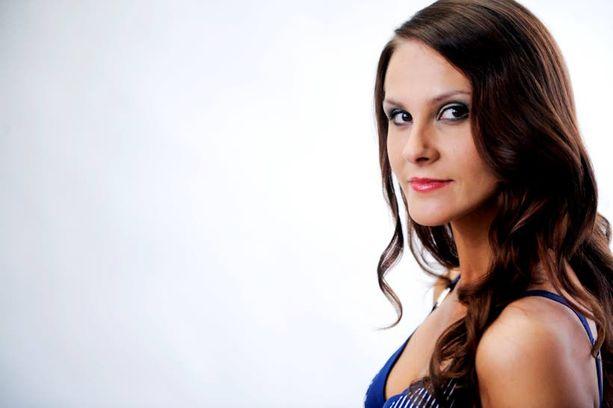 SUURI SURU Miss Suomi -finalisti Sanna-Kaisa Saari menetti läheisen setänsä 1990-luvulla.
