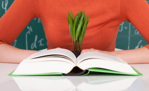 Moni on sitä mieltä, että kirja on kelpo lahja käytettynäkin.