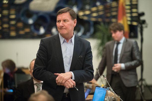 Kansanedustaja Jukka Gustafsson pettyi vaalitulokseen, vaikka SDP olikin ykkönen. Kuva Tampereen kaupunginvaltuustosta.