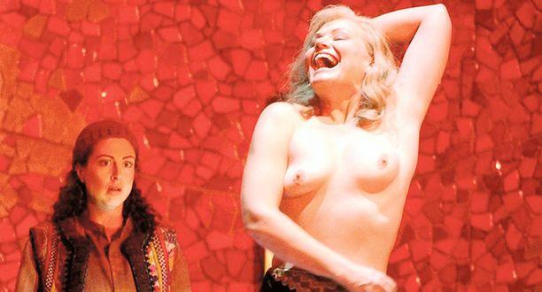 TUKAHDUTTAVAA. Sopraano paljastaa Metropolitan-oopperatalon nettisivuilla, että hän koki seksikkyyttään koskevan arvostelun tukahduttavana 1980-luvun Suomessa.