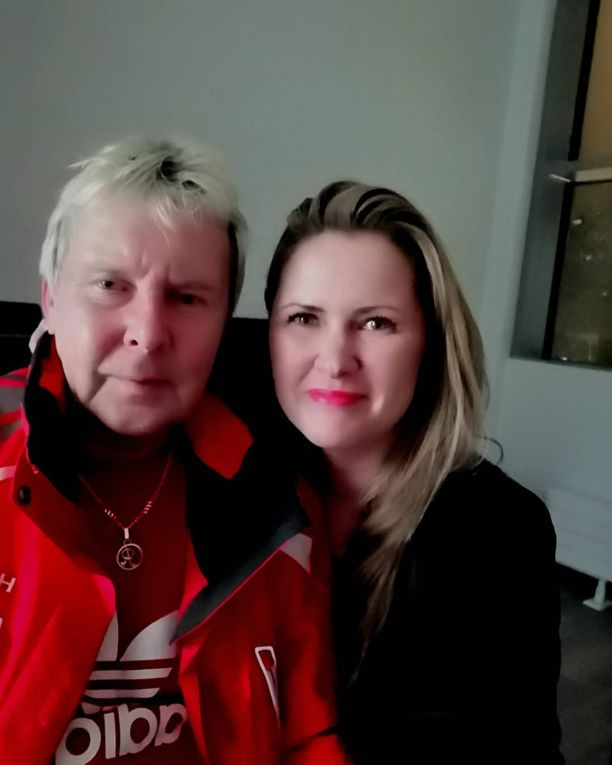 Katja Pilkevaara pääsi yhteiskuvaan Matti Nykäsen kanssa perjantain ja lauantain välisenä yönä.