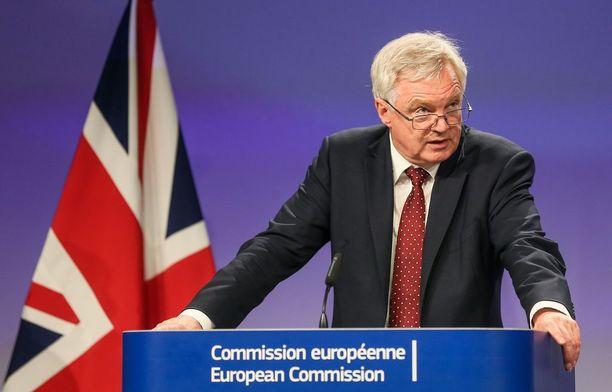 Britannian EU-erosta vastaava ministeri David Davis.