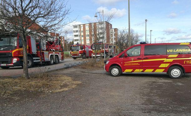 Pelastuslaitos sai hälytyksen palosta iltapäivällä neljän aikoihin.