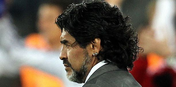 Maradona jatko Argentiinan peräsimessä on vielä avoinna.