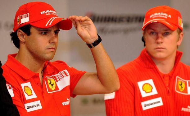 Felipe Massa (vas.) ja Kimi Räikkönen olivat tallikavereita kolmen vuoden ajan.