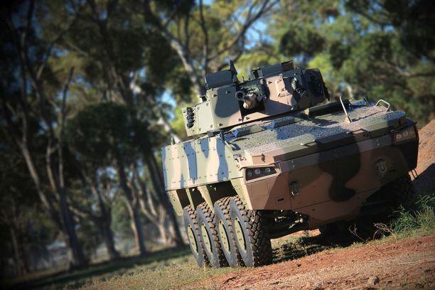 Tiettävästi mies vei AMV-panssariajoneuvojen esitteitä Ugandaan.