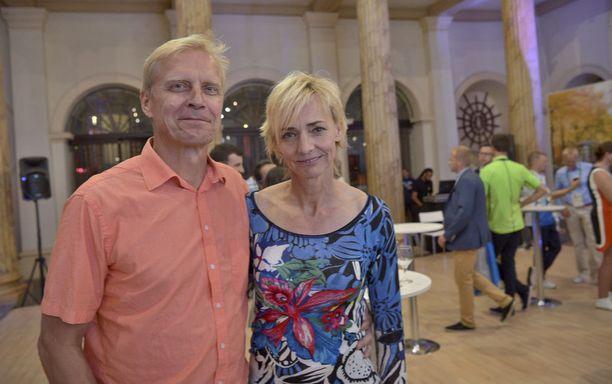 Yleisurheilulegendat Arto Bryggare ja Heike Drechsler jakavat kodin Berliinissä.