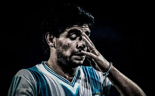 """Diego Maradonan asianajaja vaatii perinpohjaista tutkimusta jalkapallolegendan kuolemasta – """"Tätä tosiasiaa ei voi sivuuttaa"""""""