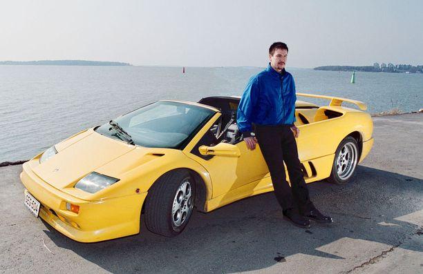 Jaakko Rytsölä osti Lamborghini Diablon 2,5 miljoonalla markalla vuonna 2000.