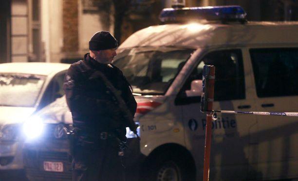 Belgian poliisi sulki katuja Brysselin Molenbeekin kaupunginosassa lauantaina.