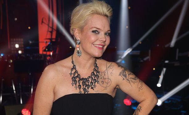 Anette otti osaa viime vuonna Tähdet, tähdet -televisiokisaan.