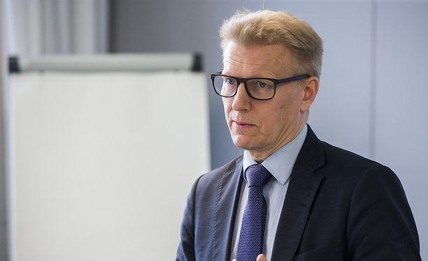 """Suomen saama jousto on Kimmo Tiilikaisen mukaan """"reippaan sellutehtaan verran""""."""