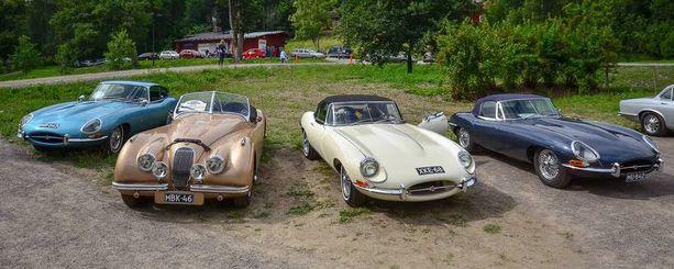 Kolme Jaguar E-Typeä ja XK120 Britit kohtasivat 2012 tapahtumassa Fiskarsissa.