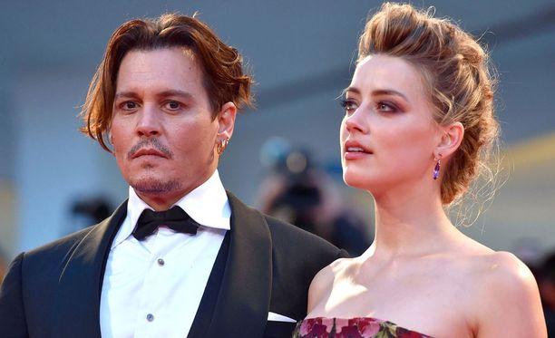 Johnny Depp ja Amber Heard vuonna 2015.