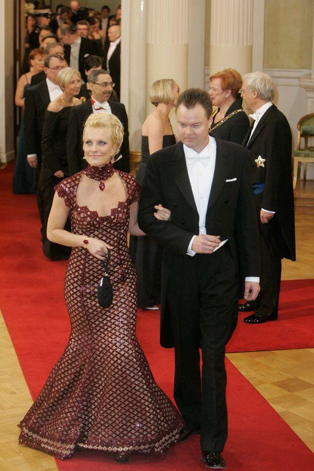 Laura ja Juha Heikkilä linnan juhlissa vuonna 2008.