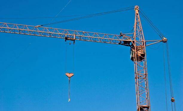 """""""Työnantajat harvoin turvautuvat työsulkuun. Rakennusalalla se ei kuitenkaan ole ollut historiassa harvinainen"""", kirjoittaa Lasse Laatunen."""