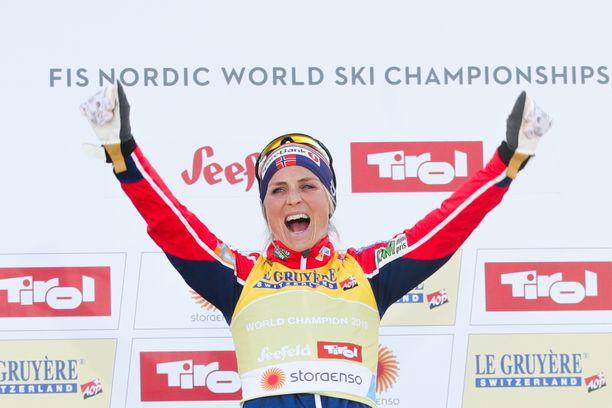 Therese Johaug hämmästyttää sekä hiihtoladulla että juoksukunnollaan.