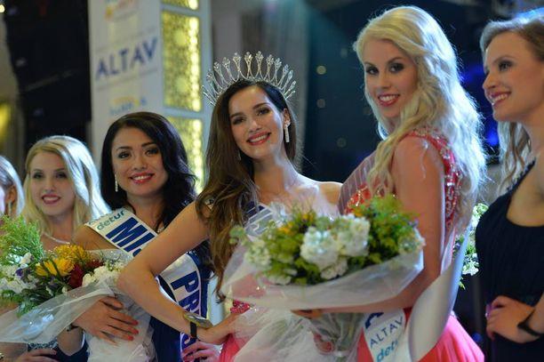 Elina Hoiska valittiin Turkin Alanyan kaupungin nimikkomissiksi.