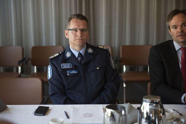 Poliisipäällikkö Ilkka Koskimäki totesi tilaisuudessa, että olennaisinta on tunnustaa vakavan huumeongelman olemassaolo.