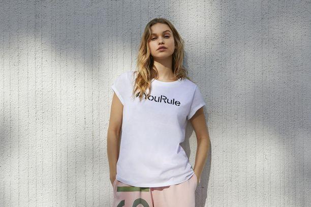 #YouRule-t-paita on 100-prosenttista luomupuuvillaa valvotuilta viljelmiltä. 19,99 e, Esprit.