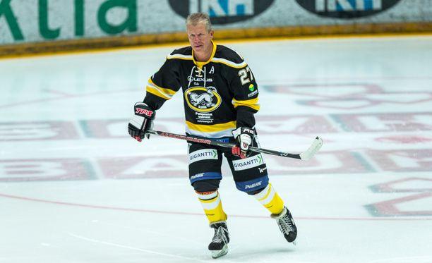 Pekka Arbelius viiletti viime syksynä Kärppien alumni-pelissä.