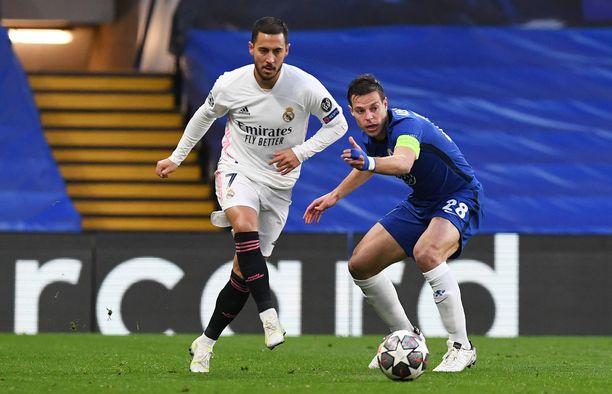 Eden Hazard ja Cesar Azpilicueta ovat entisiä joukkuetovereita.