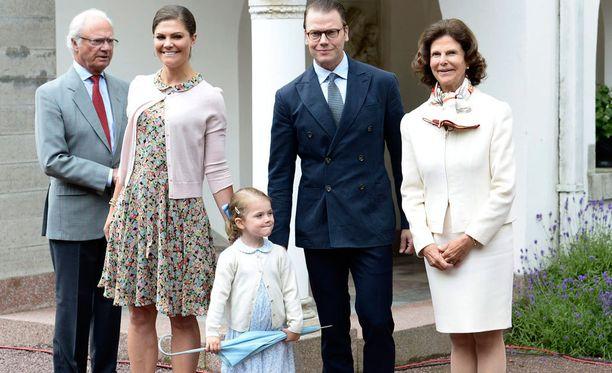 Ruotsin kuningasperhe ei ole kommentoinut mainoksesta noussutta kohua.