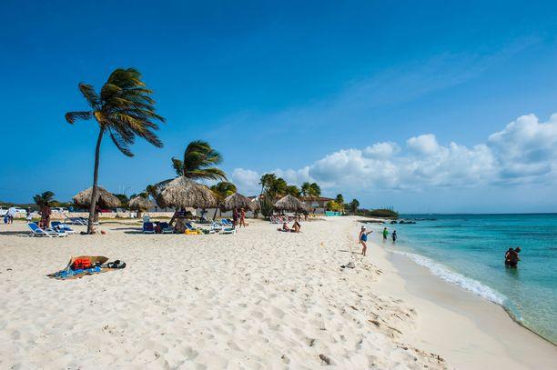 Arubassa on jatkossa käytettävä aurinkosuojaa, joka ei sisällä koralleille haitallista oksibentsonia. Myös kertakäyttöisiä muovituotteita kielletään.