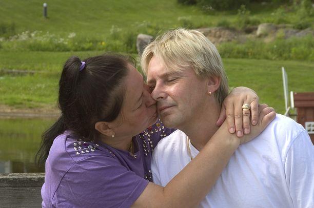 Kesäkuussa vuonna 2004 Matti ja Mervi Nykäsen lempi leiskui.
