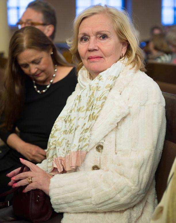 Pia Viheriävaara Kallion kirkossa järjestetyssä Ystävän risti -konsertissa toukokuussa 2014.