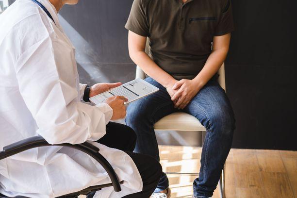 Eturauhassyöpä on ikääntyneiden miesten syöpä, joka yleistyy selvästi 55 ikävuoden jälkeen,