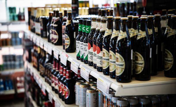 Riita alkoholilain uudistamisesta ei hellitä.