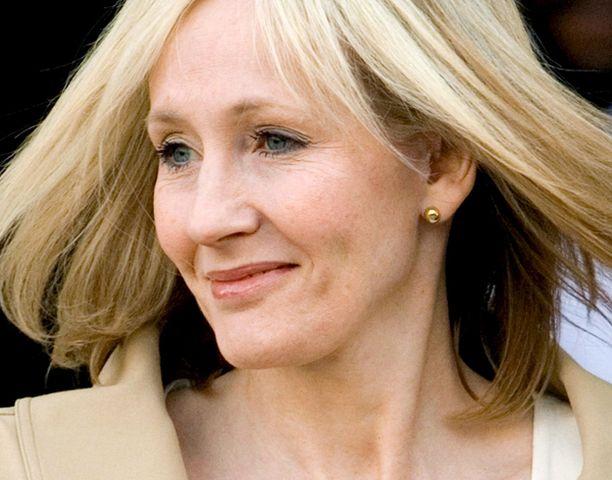 J.K. Rowling kirjoitti tarinan Harry Potterin vaiheista ennen ensimmäistä kirjaa kuluneen kuukauden aikana