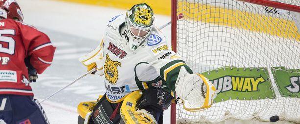 Joonas Korpisalo ei onnistunut pysäyttämään HIFK:ta.