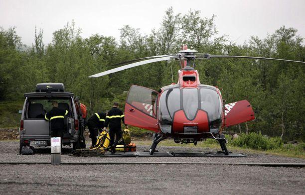 Pelastushelikopteri valmistautuu hälytykseen.