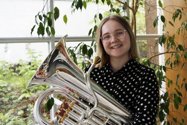 Ida Koskisen elämää ei hallitus pelkkä opiskelu. Lukio-opinnot hän päätti suorittaa neljässä vuodessa, jotta aikaa jäisi myös musiikkiharrastus. Pääaineena on baritonitorvi
