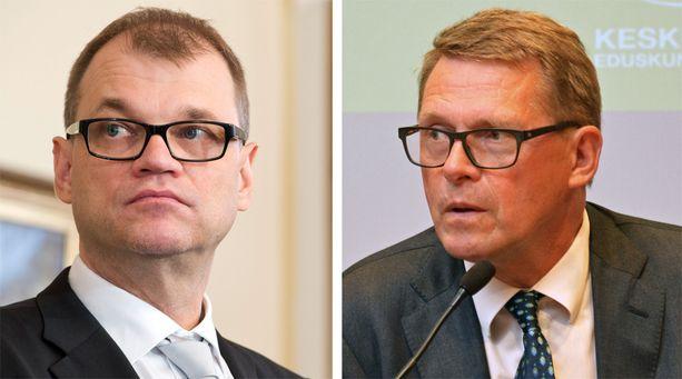 Keskustan puheenjohtaja Juha Sipilä ja eduskuntaryhmän puheenjohtaja Matti Vanhanen saavat nimettömässä kirjeessä kritiikkiä rivikansanedustajien ohittamisesta.