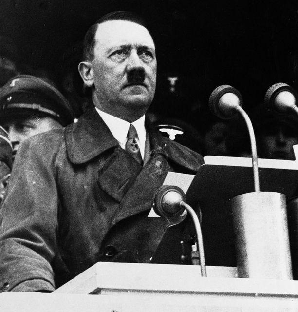 Adolf Hitlerin väitetään kärsineen hypospadiasta.