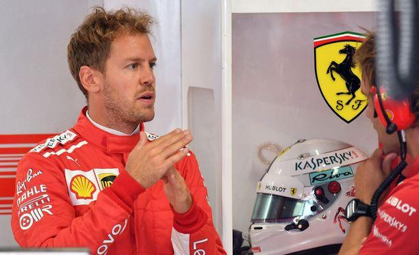 Sebastian Vettel lähtee kakkosruudusta.