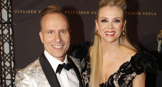 Mikko Kekäläinen ja Susanna Laine ovat juontaneet yhdessä Puoli seitsemän -ohjelmaa vuosia.