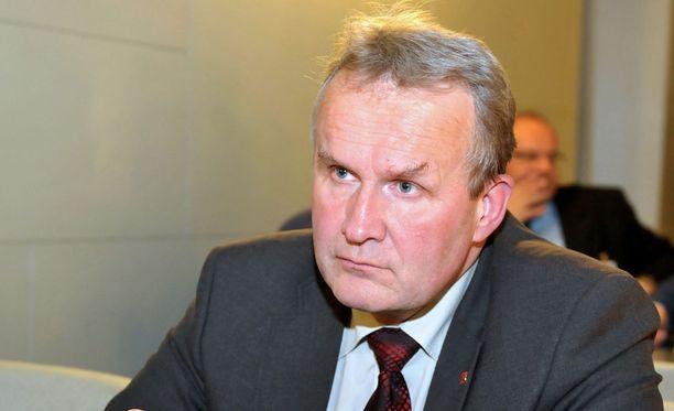 Keskustan kansanedustaja Hannu Hoskonen ei pelkää kritisoida oman puolueensa johtaman hallituksen suurhanketta.