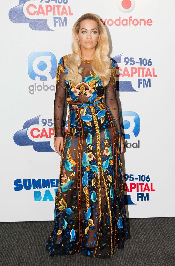 Rita Ora on yksi Madonnan videon vierailijoista.