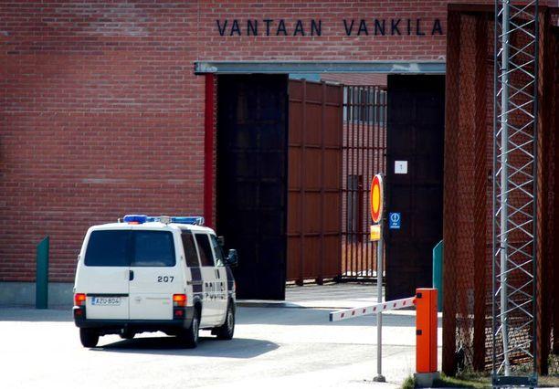 Vantaan vankilaa pidettiin pakovarmana. Sitten arkipäivän huolettomuus pääsi valloilleen. Virolaisvanki karkasi klassisesti lakanaköyden avulla.