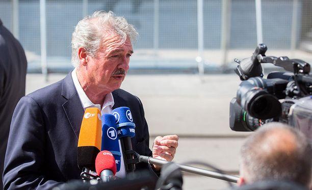 Luxemburgin ulkoministeri Jean Asselborn vaatii Unkarin sulkemista EU:n toiminnan ulkopuolelle.